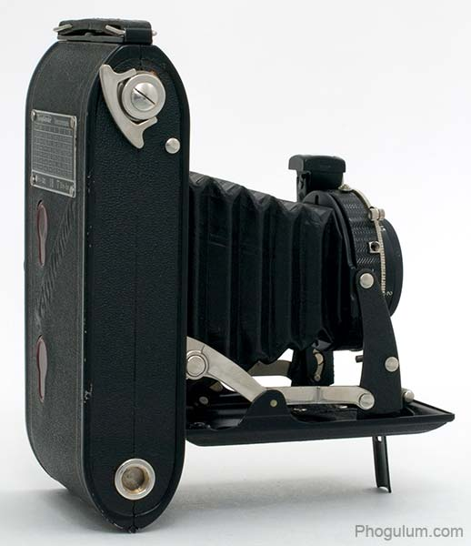 Voigtlander Bessa bottom