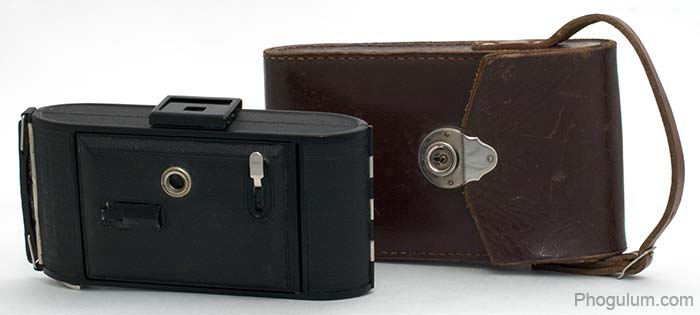 Voigtlander Bessa closed and case