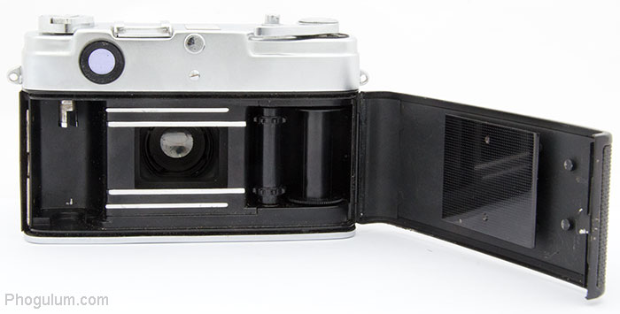 Yashica Minister II with open back